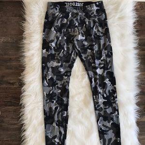 Nike black and Gray Camo legging